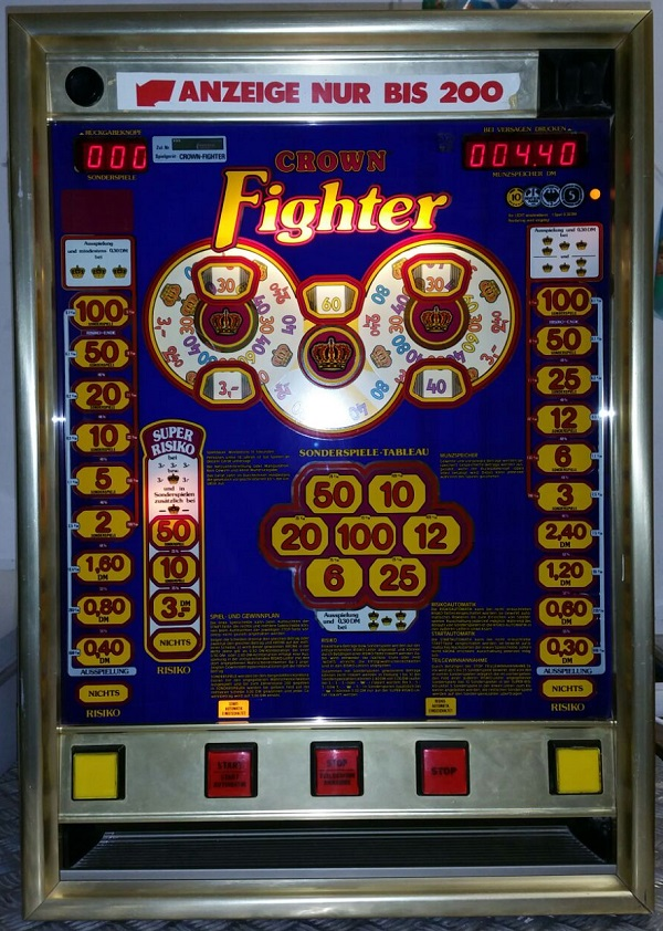 Fighter Crown Bergmann 1986 bl go